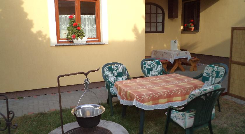 Zdjęcia Domu Gościnnego na ul. Árpád